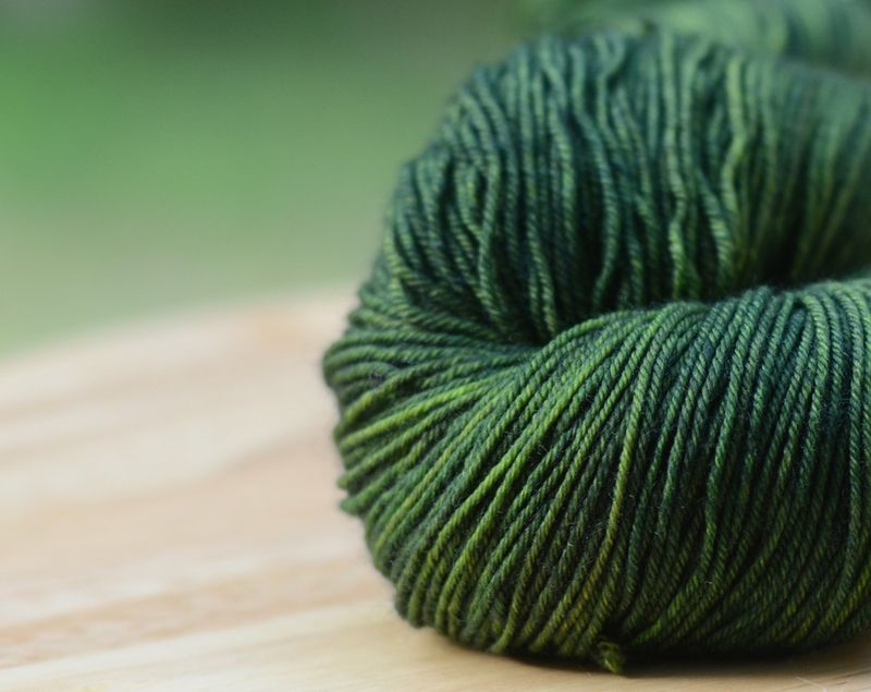 Moss_green_gray_muscadine_sock_yarn_indie_dyer_springtree_road_top_down_magic_loop_toe_up_sock_knitting_crochet_fingering_weight_001