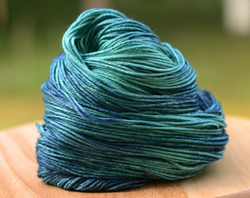 Bluegrass_blue_green_eulela_dk_hand_dyed_yarn_merino_silk_drape_003